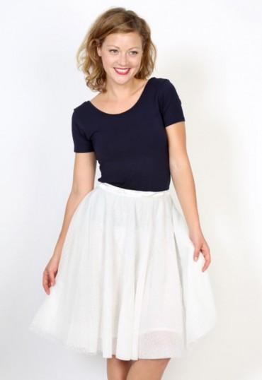 Falda tul blanca con topos blancos