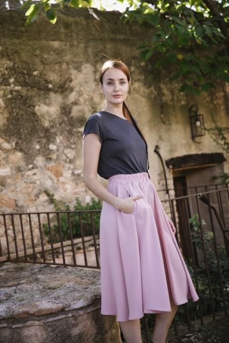 Falda larga rosa pastel