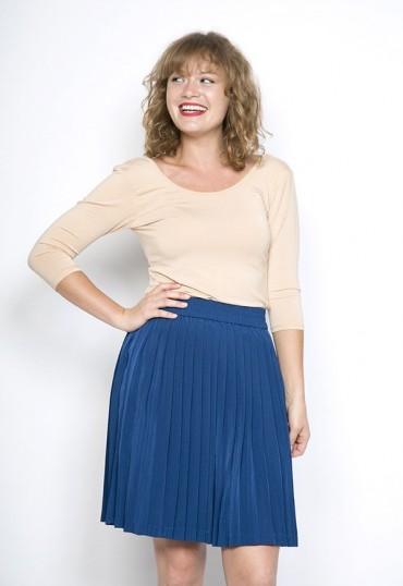 Falda plisada azul eléctrico