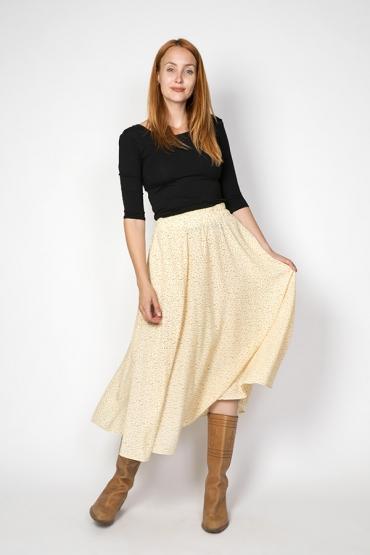 Falda maxi larga beis con estampado pequeño marrón