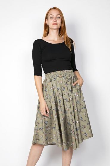 Falda larga verde con flores
