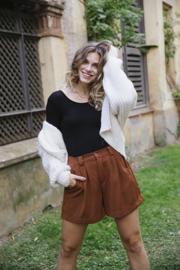 Shorts color cobre
