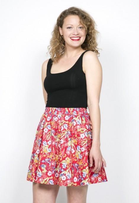 Falda mini roja con flores