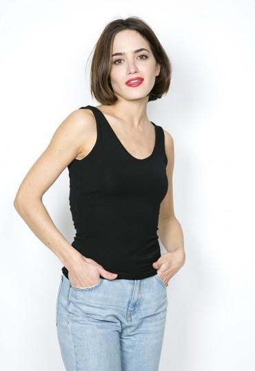 Camiseta básica SusiSweetdress negra tirantes espalda pico