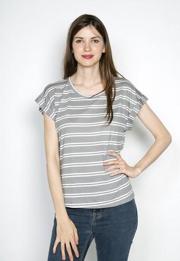 Camiseta SusiSweetdress gris con raya doble blanca