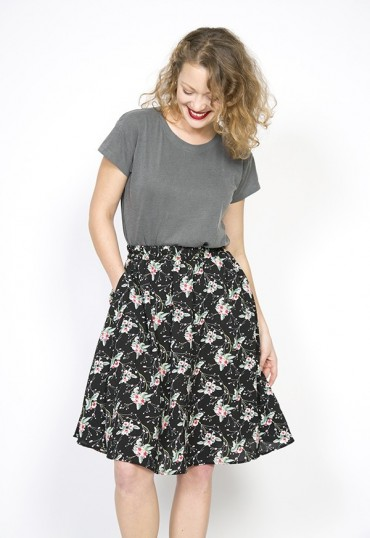 Falda midi negra floral