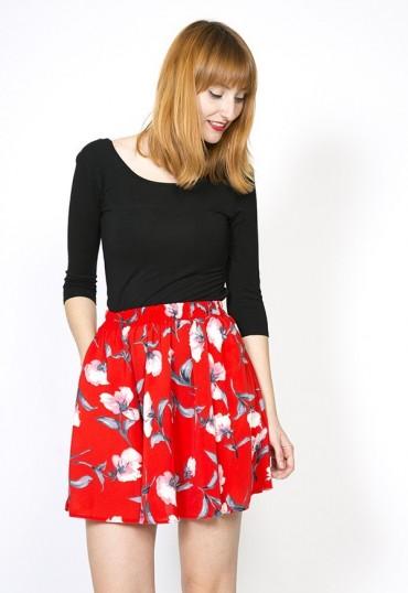 Falda mini roja floral