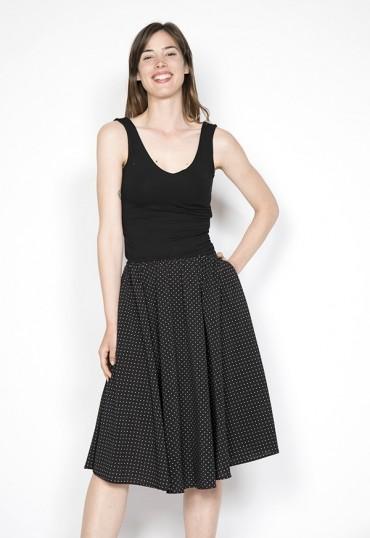 Vestido básico con falda a topitos