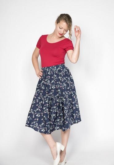 Falda larga azul marino con flores rosas