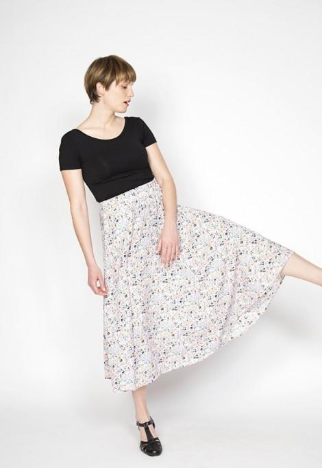 Falda maxi larga rosa pastel con flores pequeñas