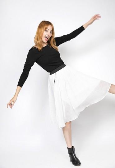 Falda midi blanca con puntitos negros