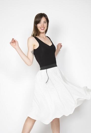 Falda midi blanca con...