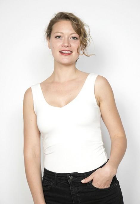 Camiseta básica SusiSweetdress blanca tirantes espalda pico