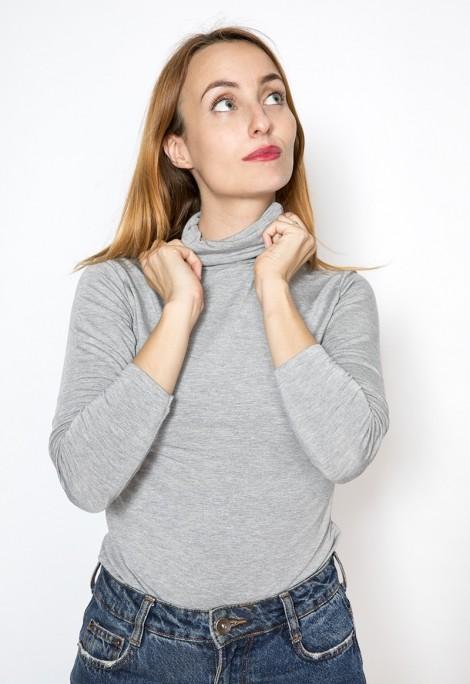 Camiseta básica SusiSweetdress gris cuello alto