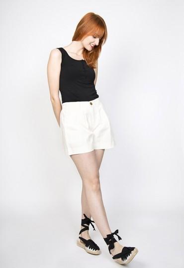 Shorts blanco topito amarillo