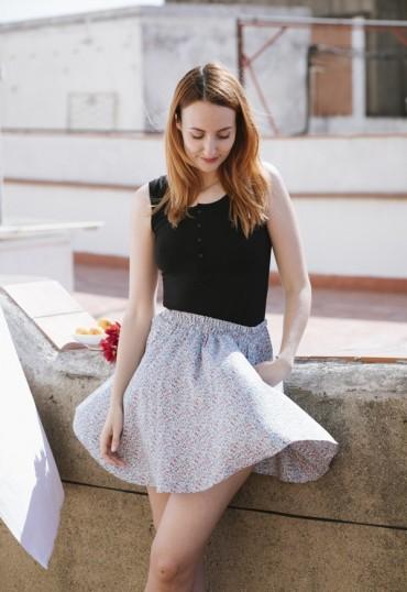 Falda mini blau con flores...