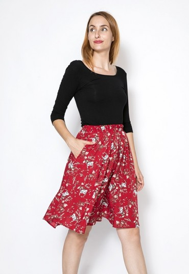 Falda midi roja con flores