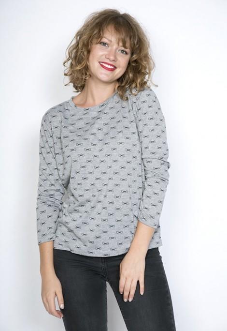 Camiseta SusiSweetdress gris con lacitos azul marino manga larga