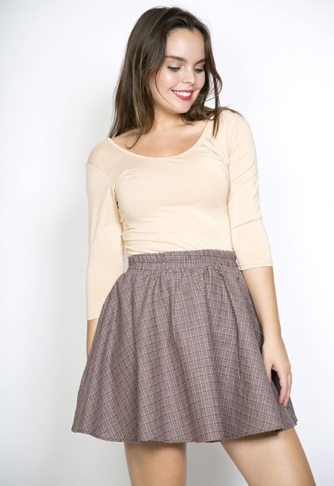 Falda mini grisácea con cuadros en hilo